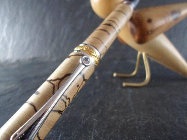 Stylo plume en bois de hêtre échauffé