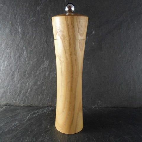 moulin en bois tourné